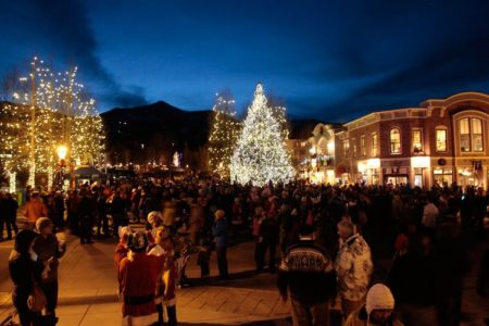 towns to travel to during the holidays